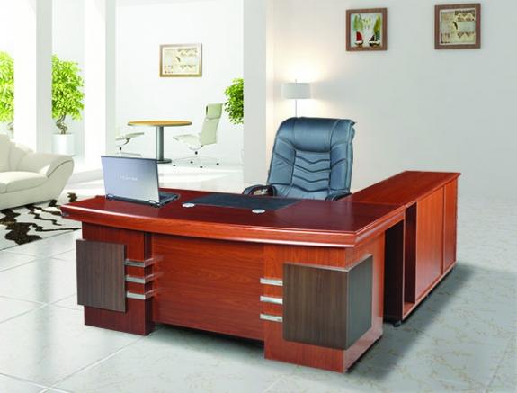 Bàn giám đốc Hòa Phát tiêu trí lựa chọn sang trọng cho văn phòng lãnh đạo